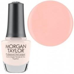 Morgan Taylor nagų lakas Simply Irresistible...